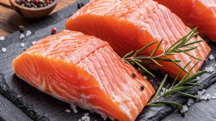 hundreds changed name to salmon for free food