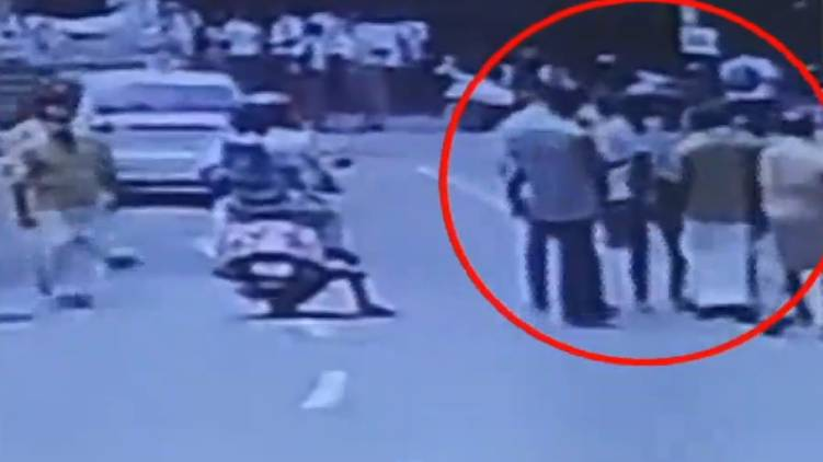 kannur student attacked by auto driver