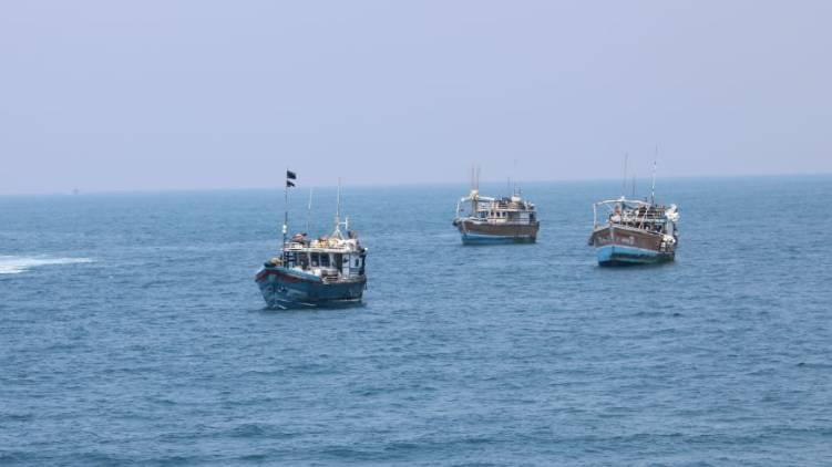 three srilankan boats found lakshadweep