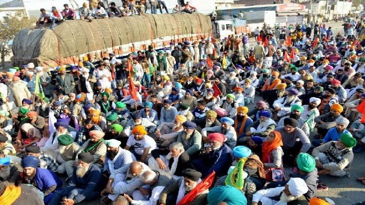 farmers protest government evacuate