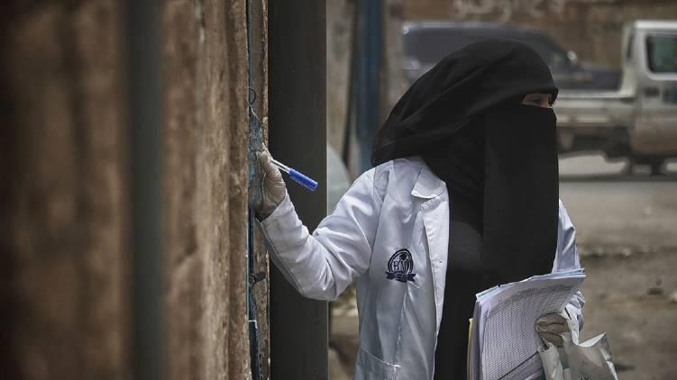 saudi daily covid cases crossed 900