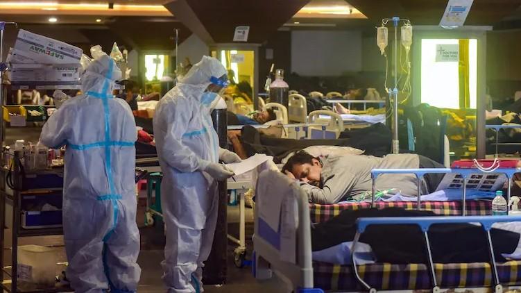 doctors Covid surgeon dies