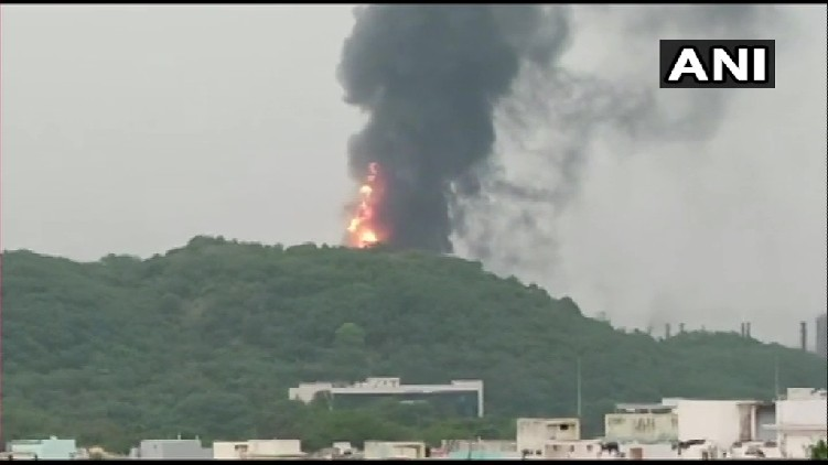 fire breaks out HPCL