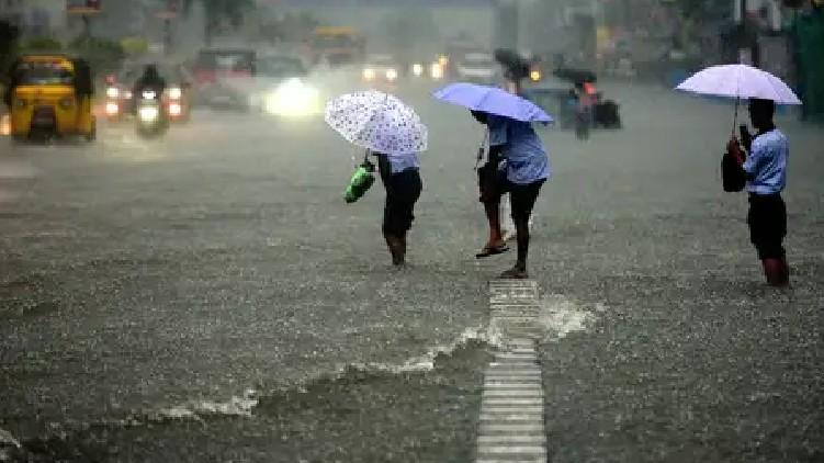 heavy rain wind kerala
