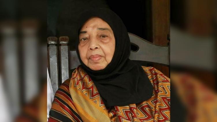 UA Khader's wife dies
