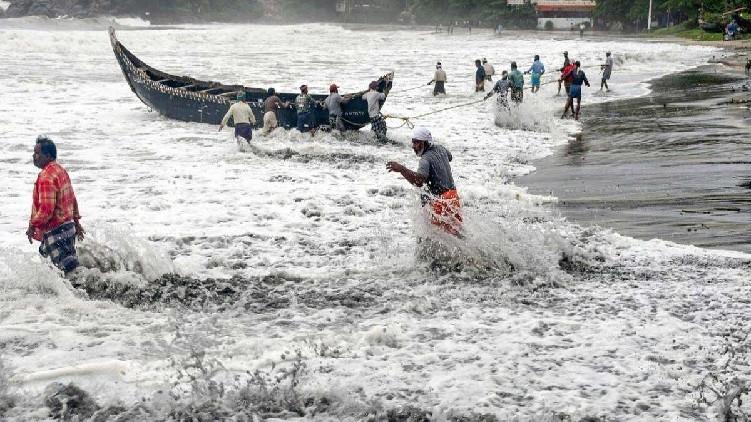 tauktae cyclone high tide