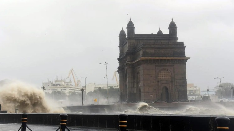 tauktae cyclone weakens gujarat
