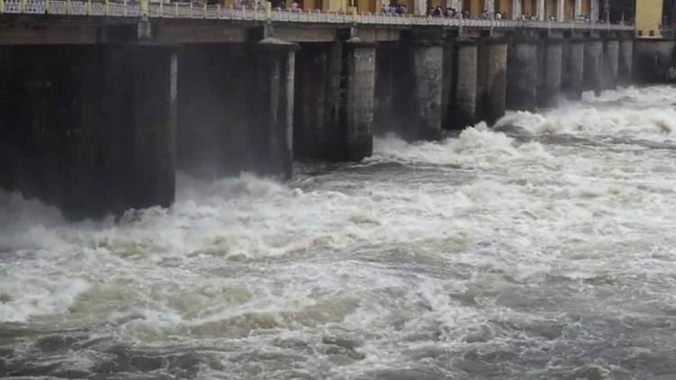 bhoothathankettu dam shutter opened