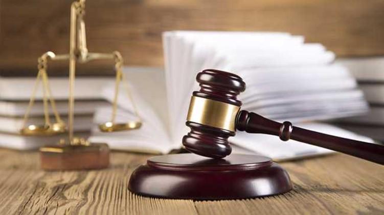 Jailed Throwing Sandals Judge