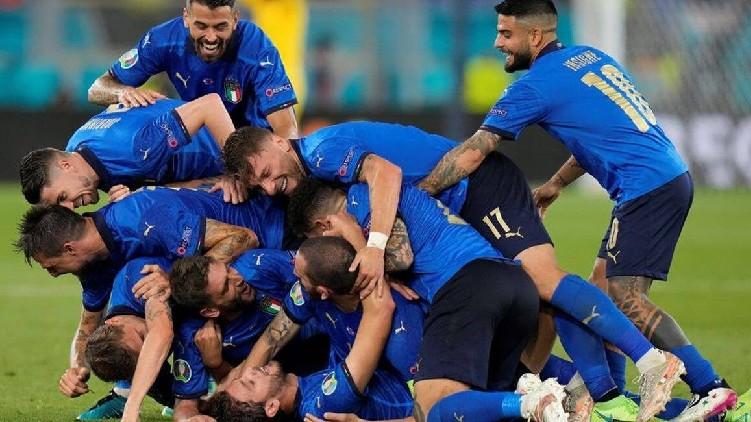 Italy record unbeaten run