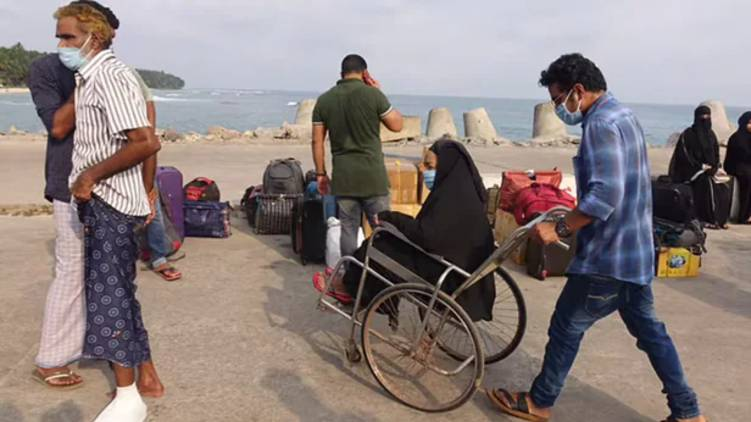 administration asks non lakshadweep natives to leave