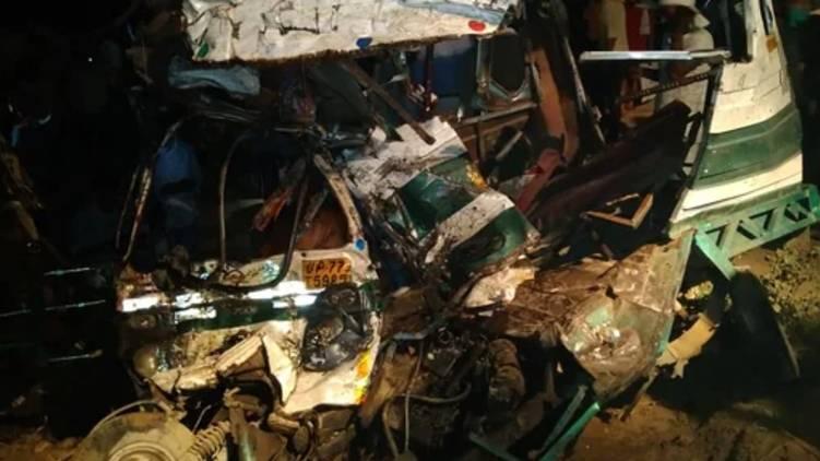 uttarpradesh bus accident 15 dead