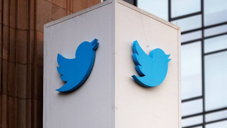 womens commission takes case against twitter