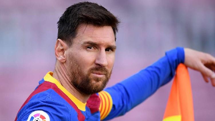 Messi free agent Barcelona