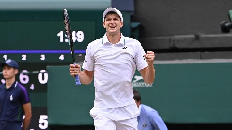 Hubert Hurkacz Stuns Roger Federer