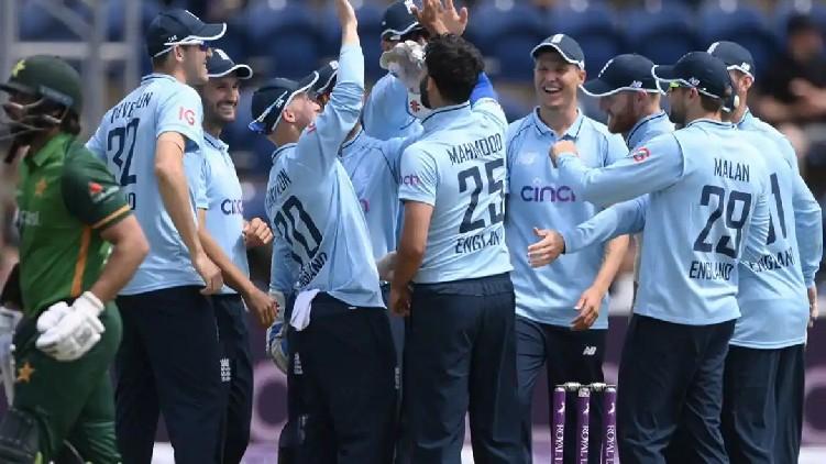 england won pakistan odi