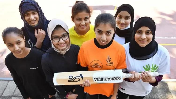 Barcelona Cricket Pitch Women
