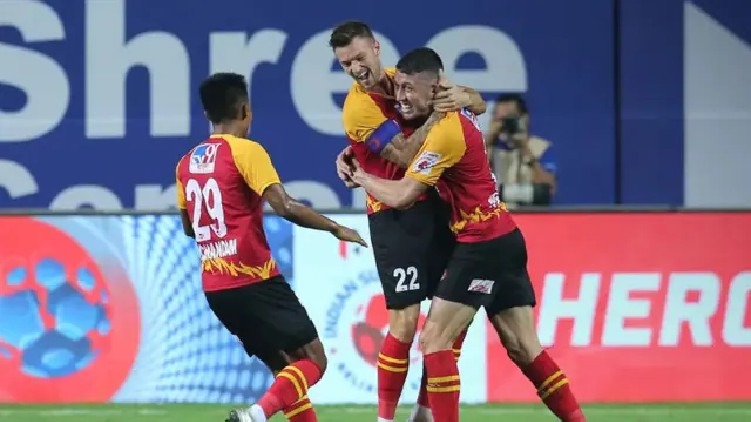 East Bengal sign agreement