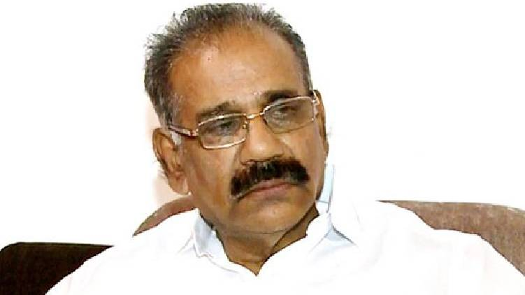 Minister AK Saseendran admits defeat muttil wood robbery case