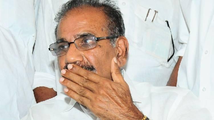 complainst against saseendran