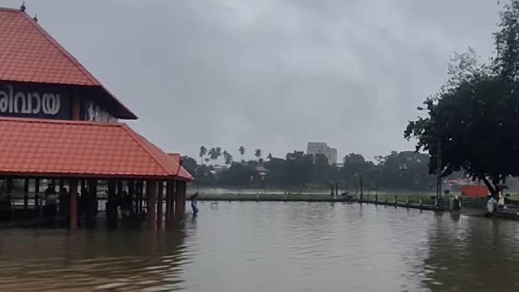aluva shivarathri manappuram