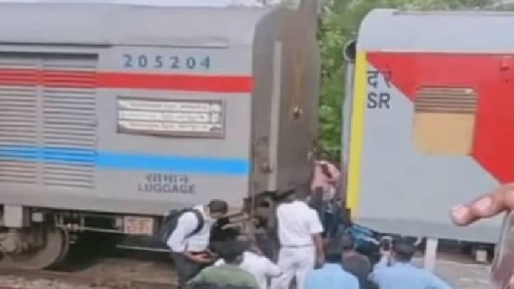 engine and bogie of running train detachedengine and bogie of running train detached