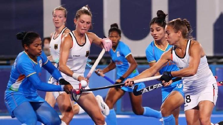 olympics india lost hockey
