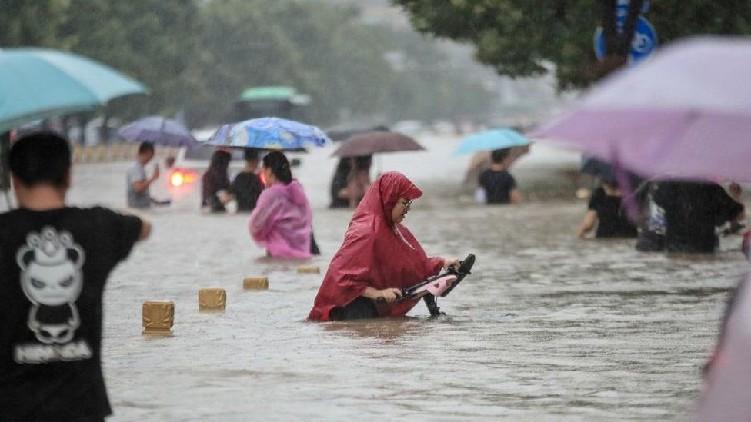 Typhoon In-Fa Hits China
