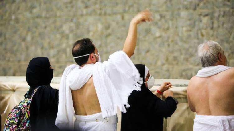 hajj rituals enters third day