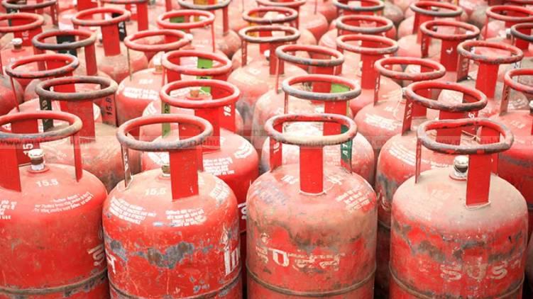 kochi gas cylinder price increased