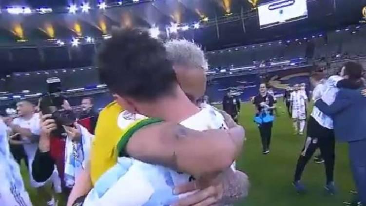 messi neymar long hug after copa america