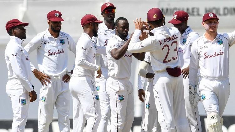 pakistan lost 3 wickets