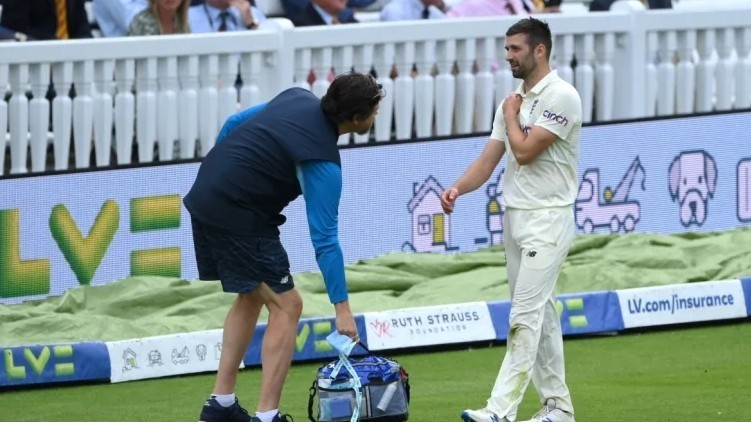 Mark Wood out test
