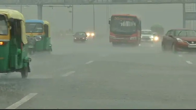 Heavy Rain Delhi Waterlogging