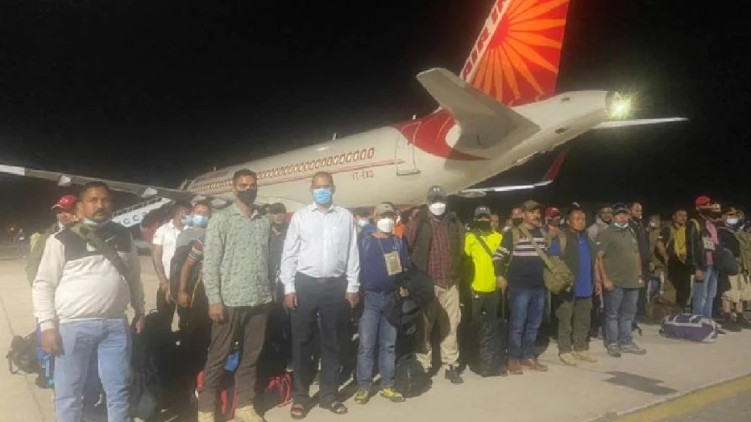 400 Indians evacuated