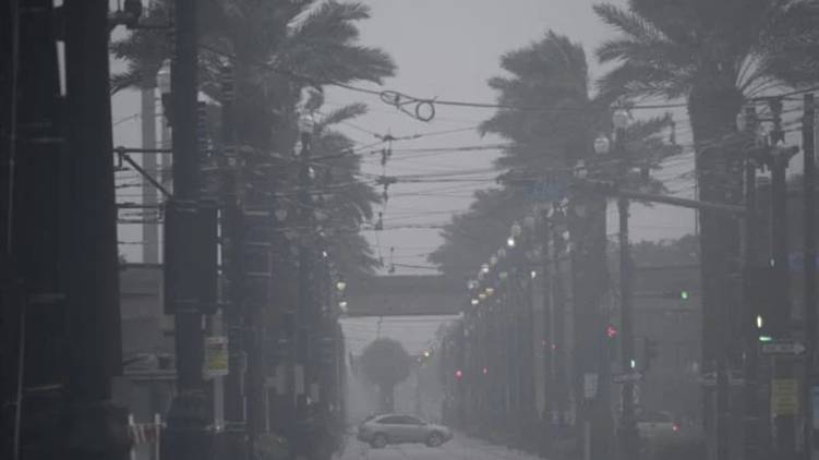 ida hurricane strikes