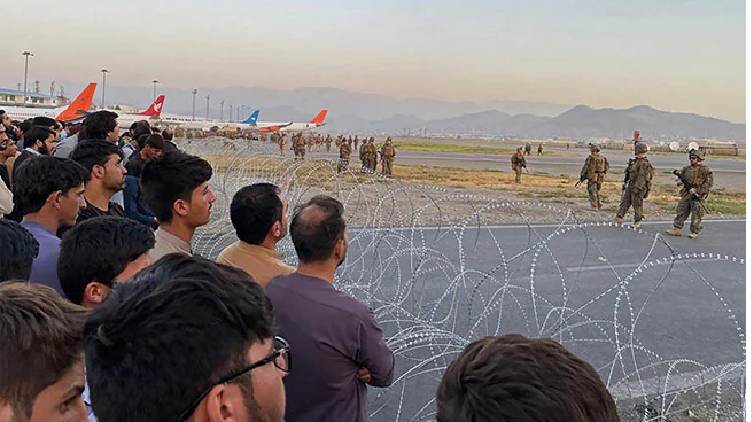 Crowd Mobs at Kabul Airport