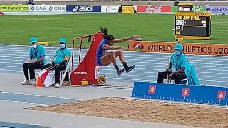 India's Shaili won silver