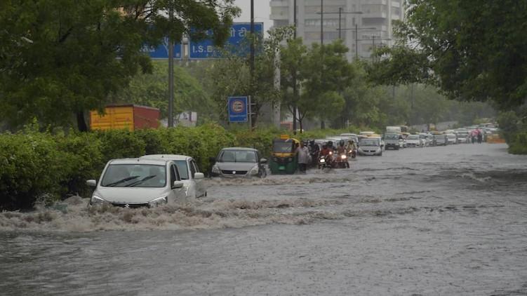heavy rains delhi