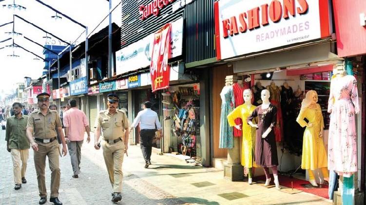 kozhikode lockdown, shops reopen