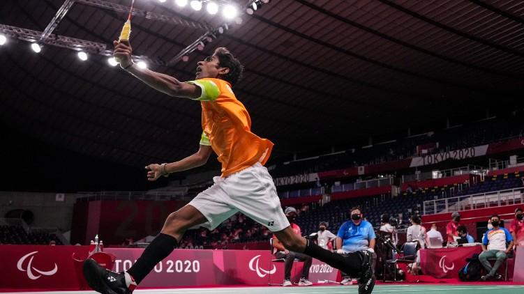 paralympics badminton gold bronze