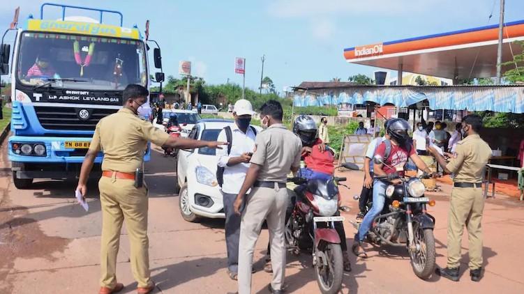 Karnataka public visit Kerala