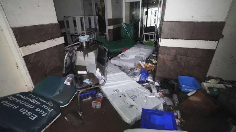 Mexico Patients die floods