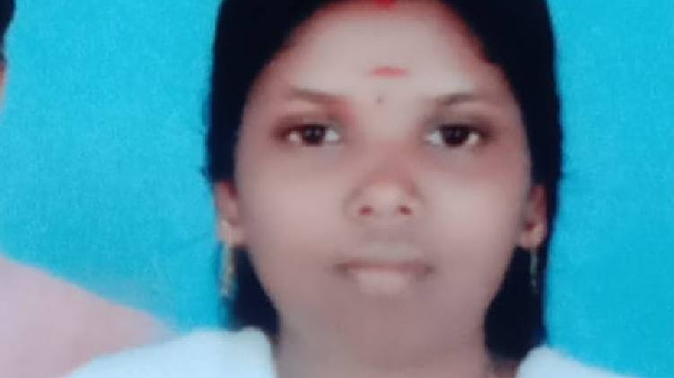 woman suicide in angamali