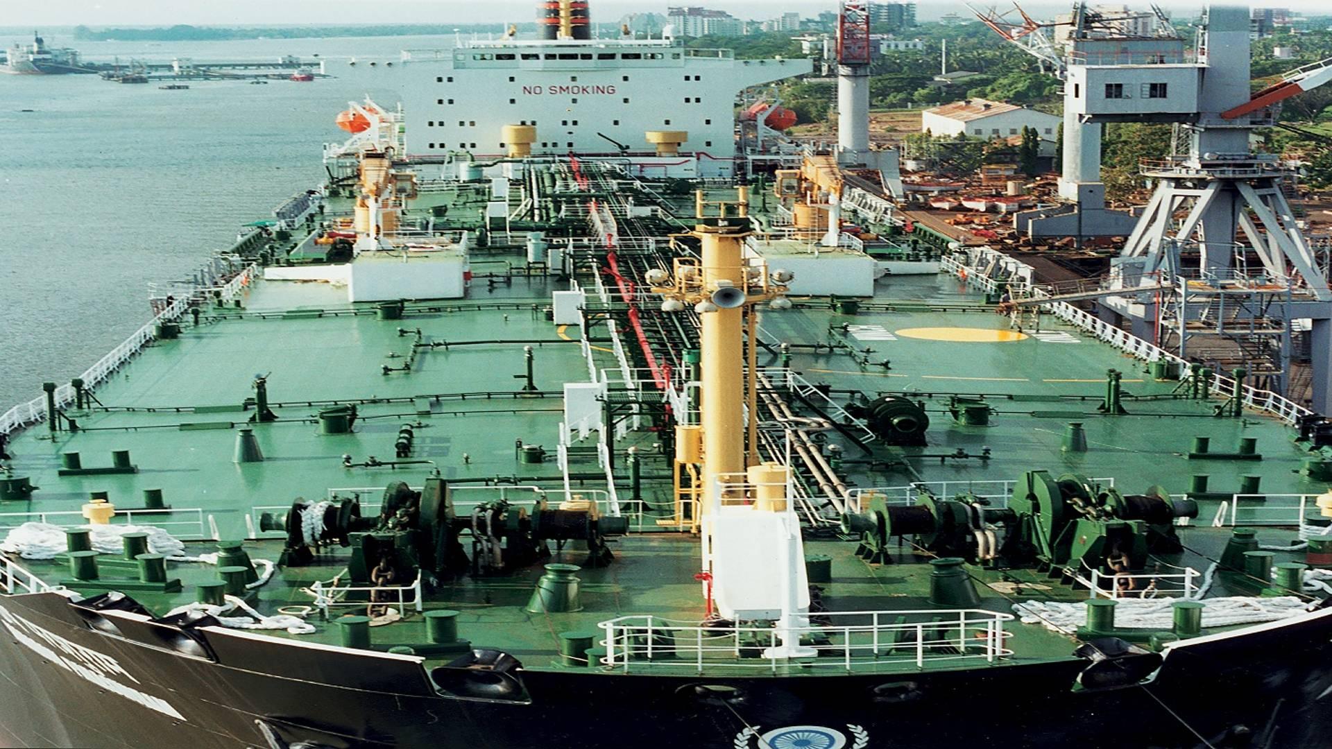 cochin shipyard threat again