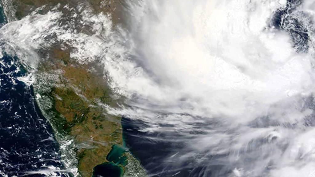 gulab cyclone enters Andhra