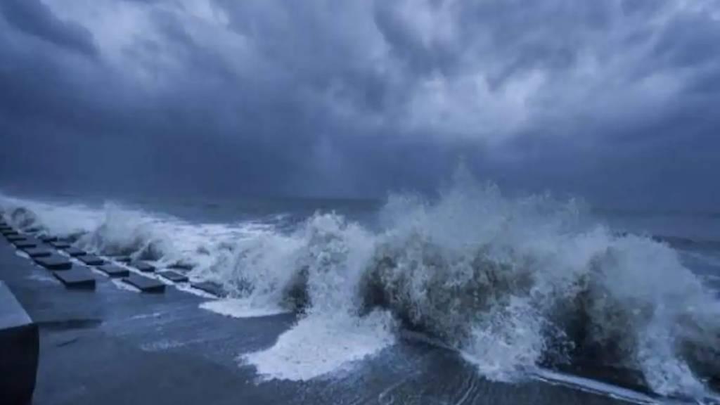 gulab cyclone two dead