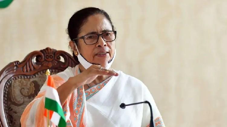 mamata banerjee moves to delhi