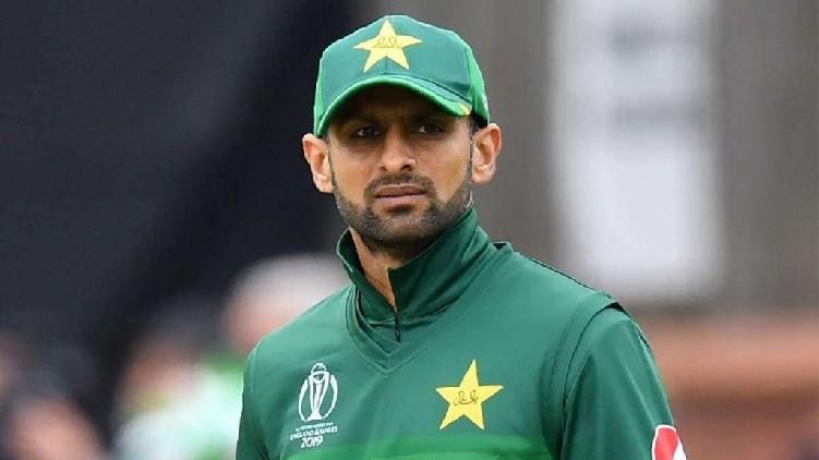 shoaib malik pakistan team