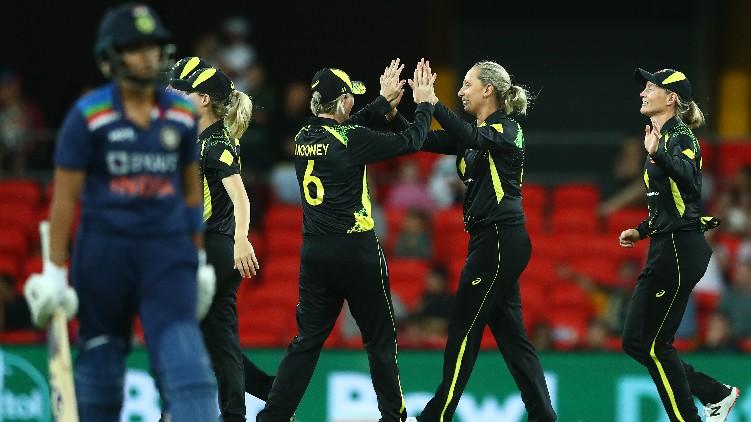 austraia women won india